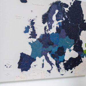 La carte de lEurope avec épingles bleu marin tripmap