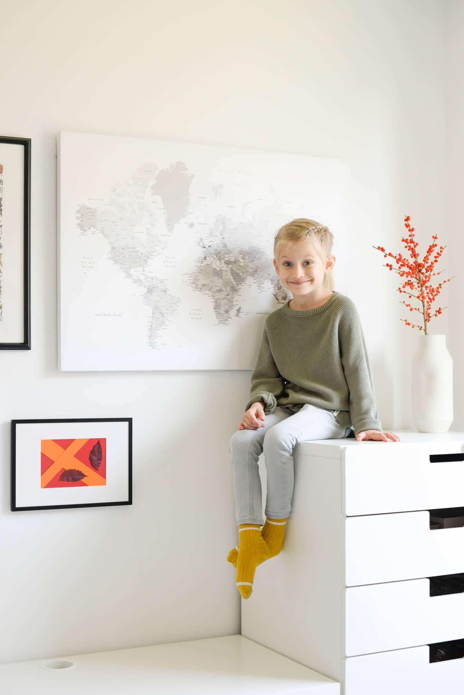 children room interior decor world map