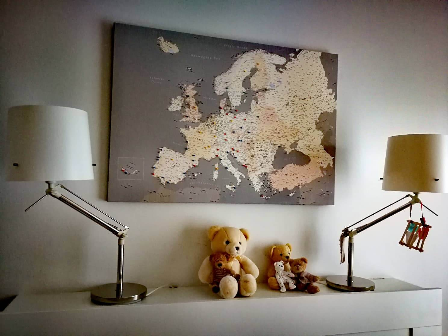 europe pin board with pins