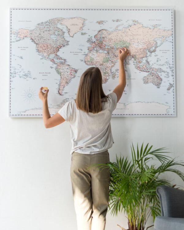 retro carte du monde en liège