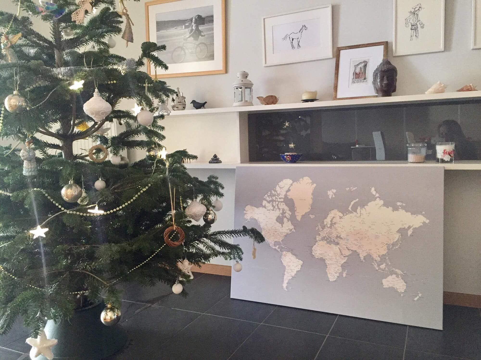 canvas world map grey pin board