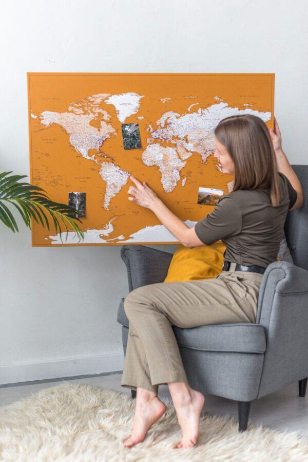 carte du monde push pin miel