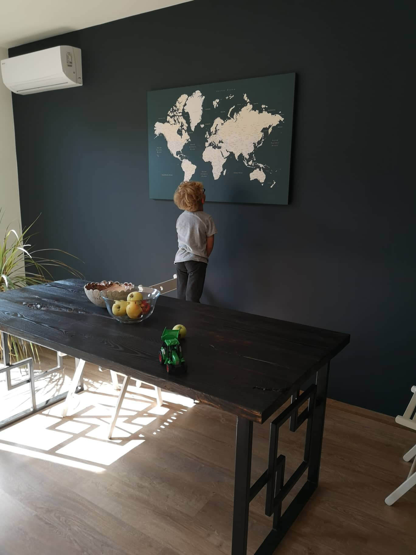 map for family to track travels