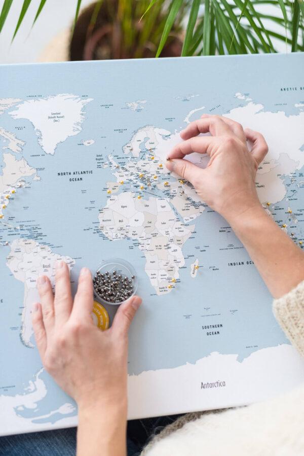 carte du monde décoration bleu doux
