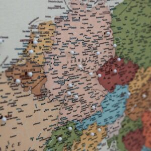 epingler carte de l'europe coloree