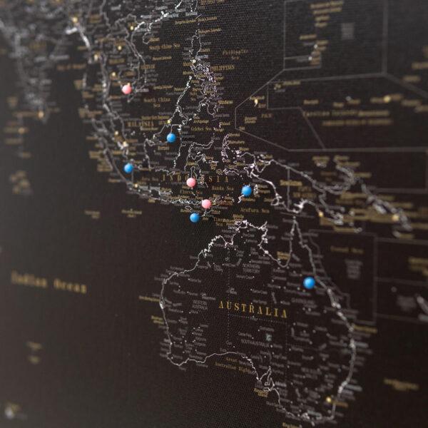 minuit noir carte du monde voyage punaise