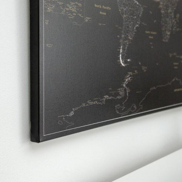 minuit noir punaise carte du monde